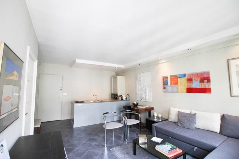 Verhuren  appartement Paris 8ème 2500€ CC - Foto 1