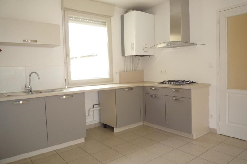Location appartement Dijon 779€ CC - Photo 1