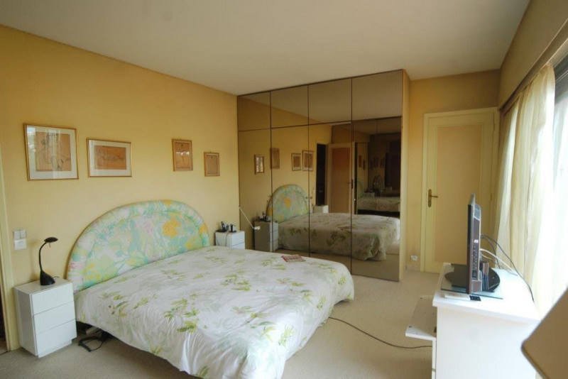Deluxe sale apartment Juan-les-pins 1 360 000€ - Picture 5