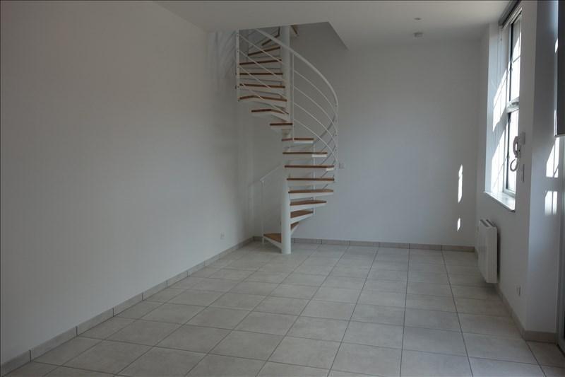 Location maison / villa Le coteau 510€ CC - Photo 6