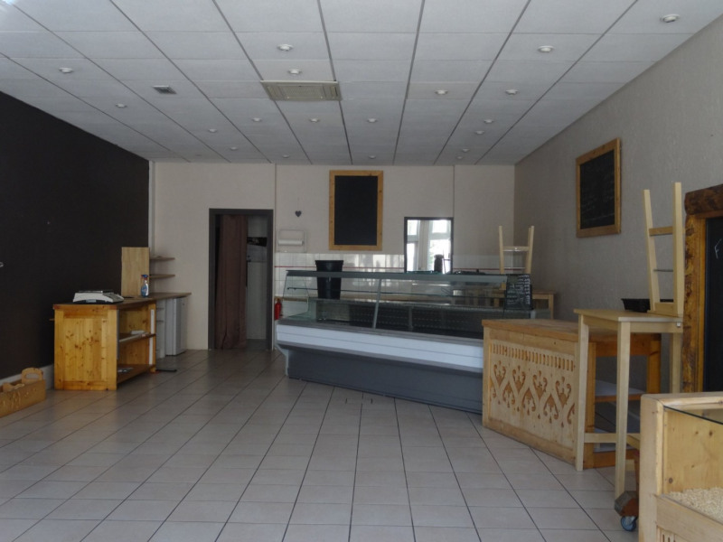 Location local commercial St julien en genevois 1 700€ CC - Photo 3