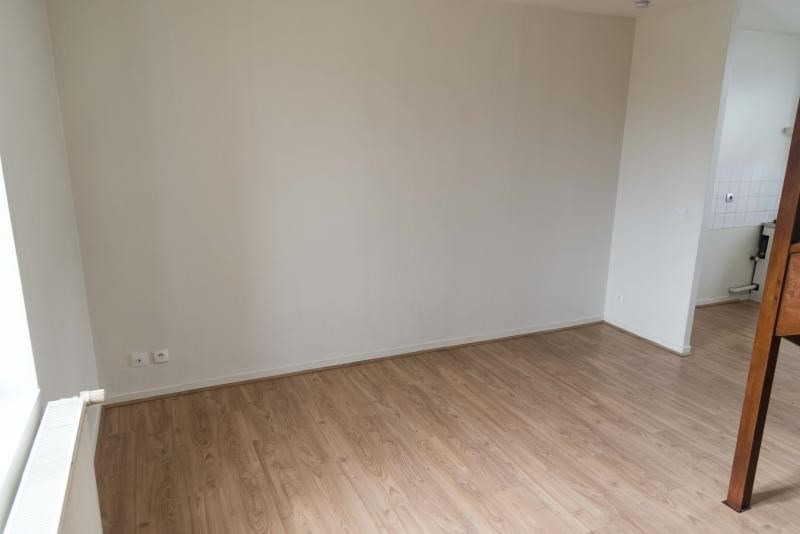 Rental apartment Oyonnax 382€ CC - Picture 3