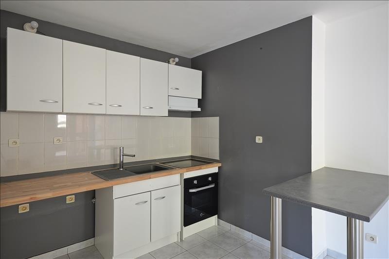 Location appartement La montagne 750€ CC - Photo 2