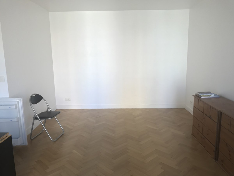 Location appartement Courbevoie 750€ CC - Photo 6