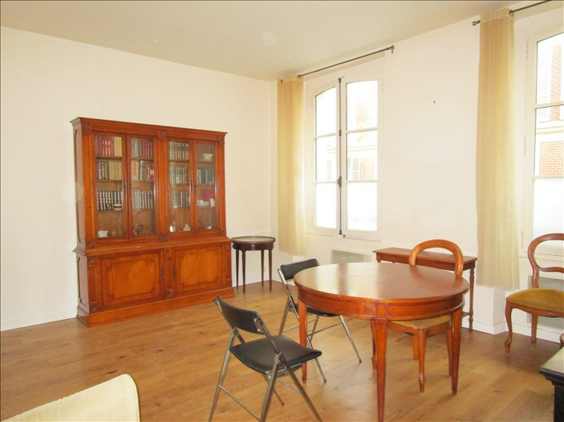 Sale apartment Versailles 370 000€ - Picture 1