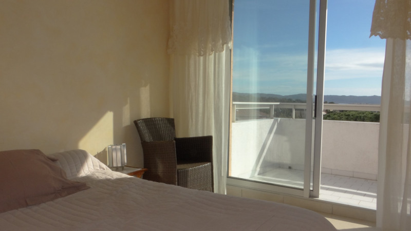 Location vacances appartement Cavalaire 750€ - Photo 10