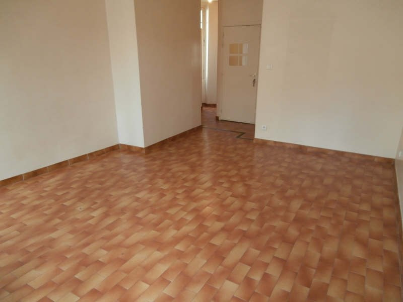 Location appartement Salon de provence 472€ CC - Photo 3