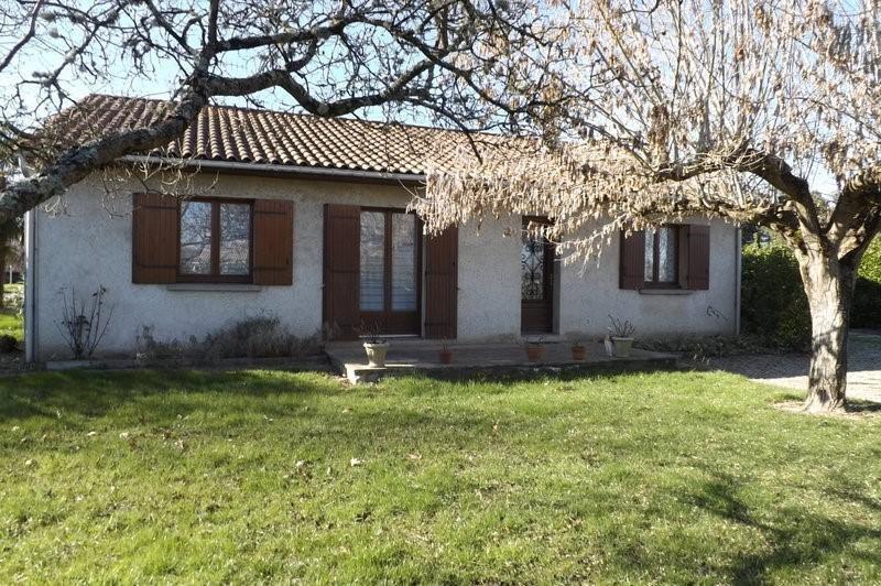 Sale house / villa Montpon menesterol 213000€ - Picture 1