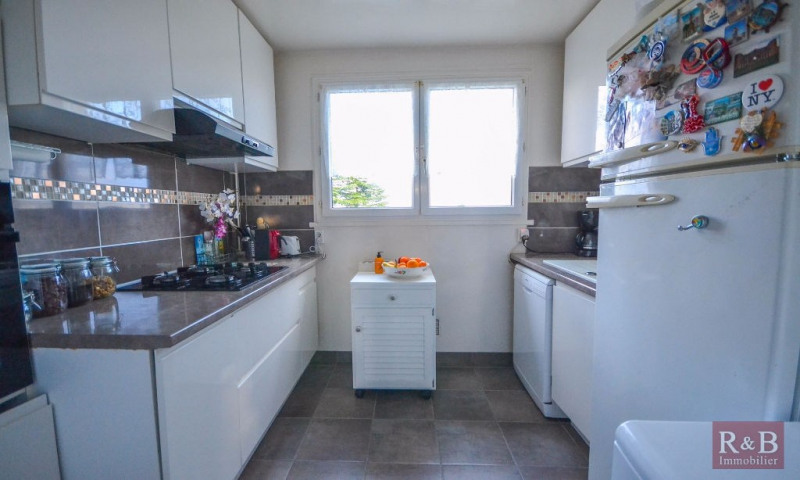 Vente appartement Les clayes sous bois 175000€ - Photo 2