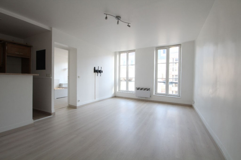 Sale apartment Saint germain en laye 295 000€ - Picture 1