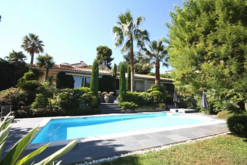 Deluxe sale house / villa Antibes 1 250 000€ - Picture 2