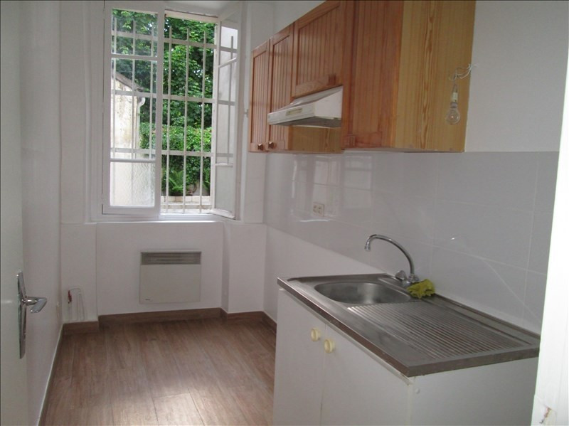 Rental apartment Versailles 965€ CC - Picture 2