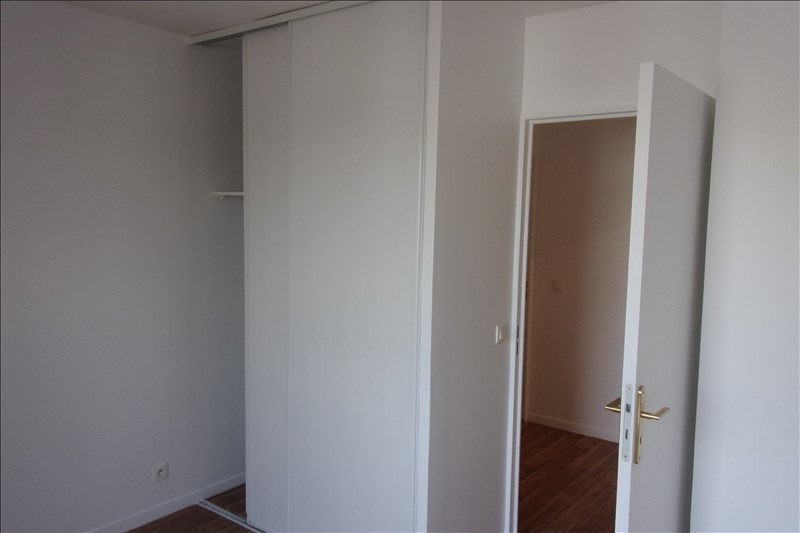 Rental apartment La plaine st denis 1 208€ CC - Picture 5