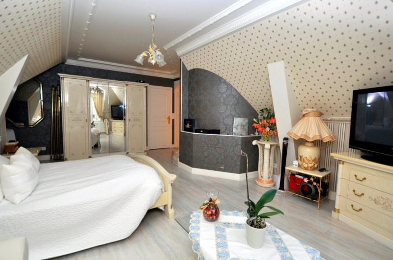 Sale house / villa Le val st germain 695000€ - Picture 12