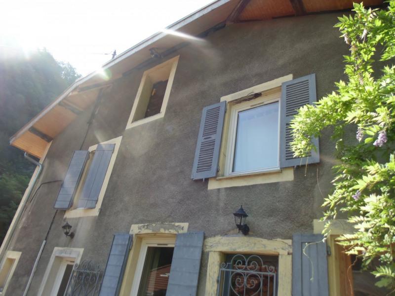 Sale house / villa Gieres 320000€ - Picture 2