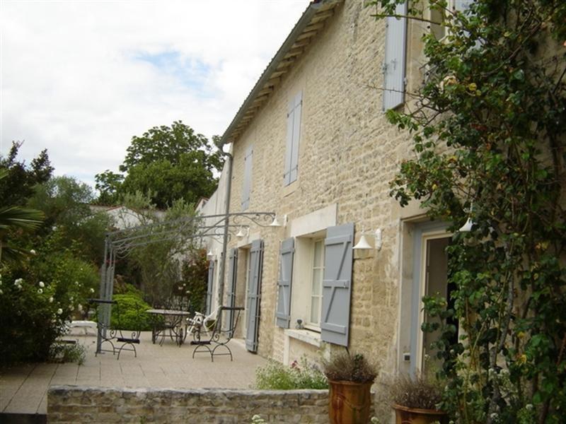Sale house / villa Aulnay 240350€ - Picture 1