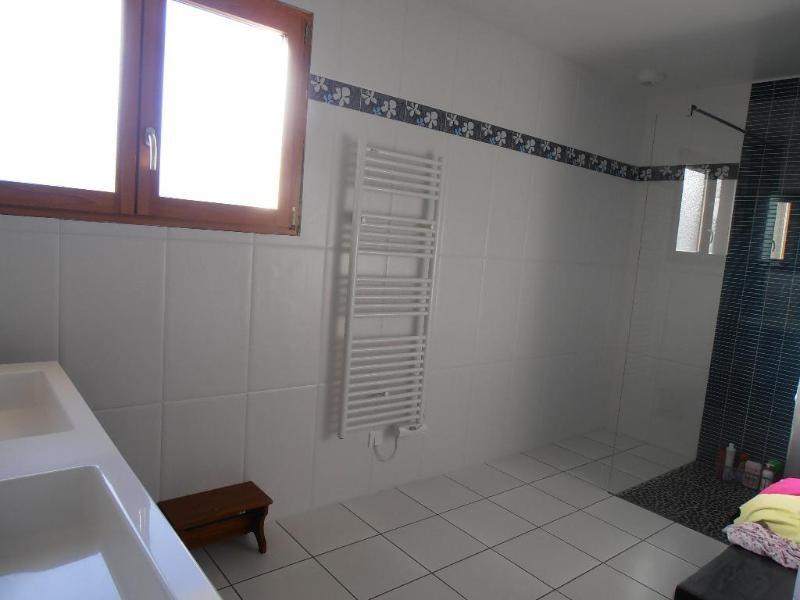 Sale house / villa Condamine 297000€ - Picture 9