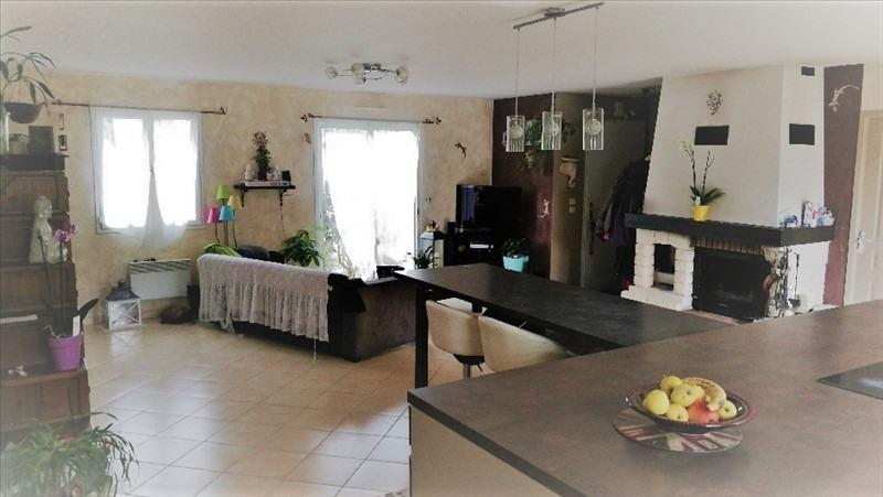 Sale house / villa St etienne du bois 165584€ - Picture 4