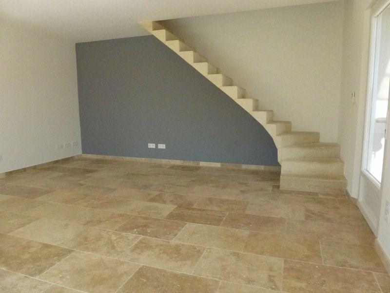 Location maison / villa Lapeyrouse mornay 850€ CC - Photo 9