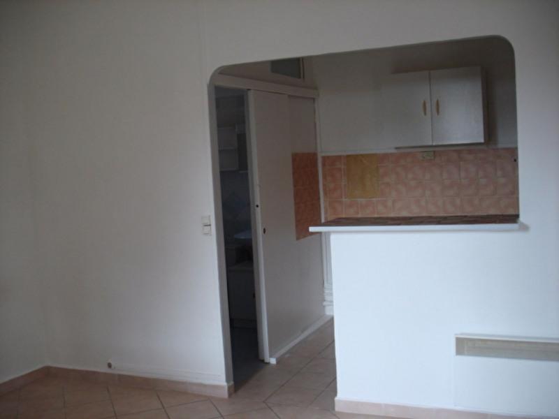 Rental apartment Hyeres 765€ CC - Picture 3