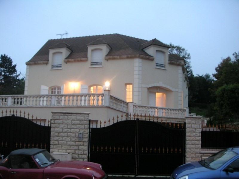 Location maison / villa Orgeval 3790€ CC - Photo 1