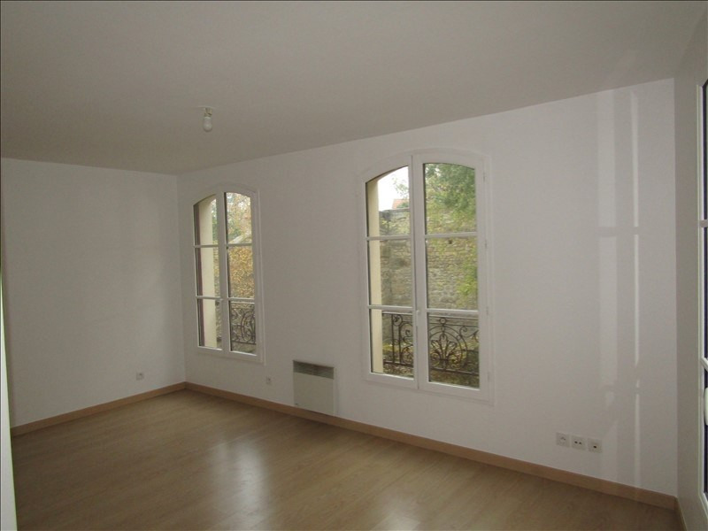 Rental apartment Pontoise 745€ CC - Picture 2