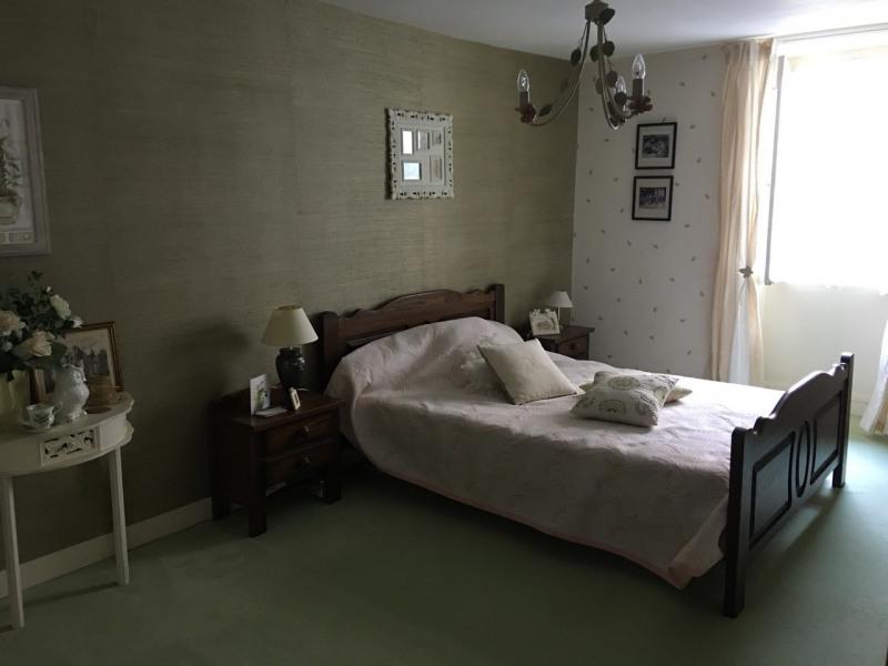 Rental house / villa Barbezieux-saint-hilaire 750€ CC - Picture 4