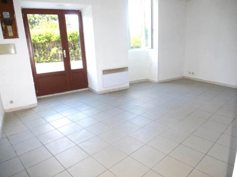 Location appartement Lavilledieu 330€ CC - Photo 1