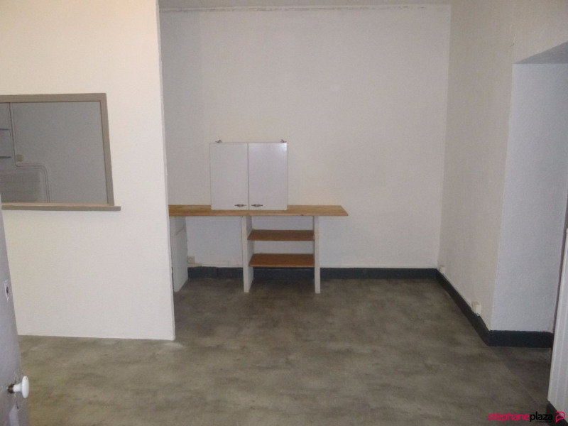 Location appartement Entraigues sur la sorgue 460€ CC - Photo 4