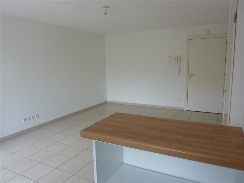 Rental apartment Vendome 453€ CC - Picture 3