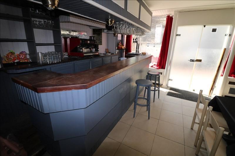 Sale empty room/storage Versailles 170000€ - Picture 2