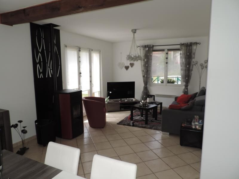 Vente maison / villa Le titre 185000€ - Photo 3