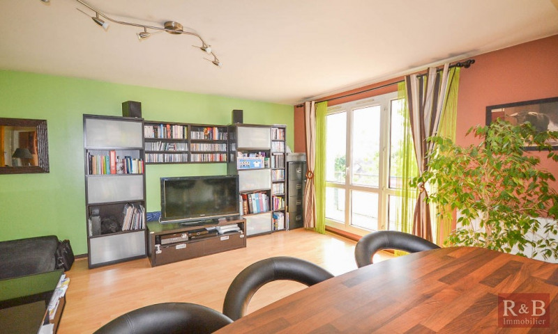 Sale apartment Plaisir 170 000€ - Picture 2