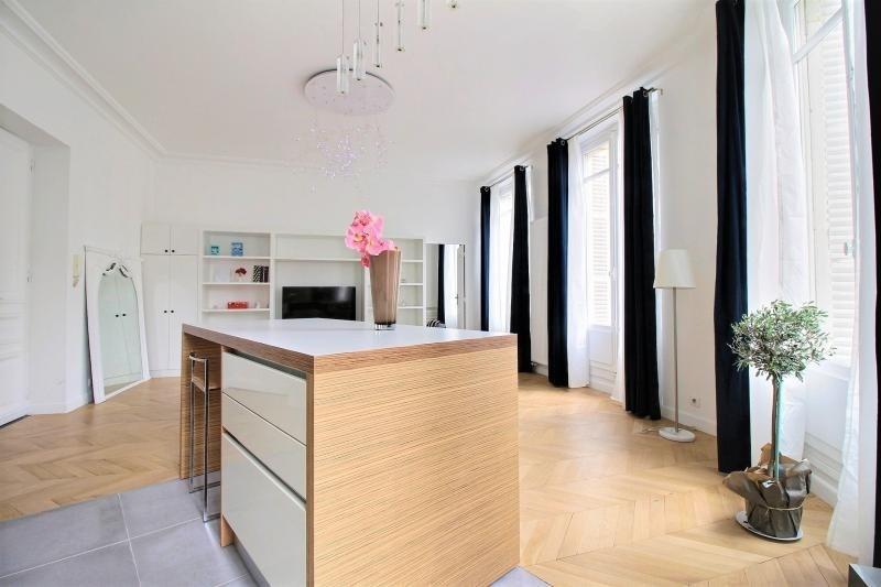 Sale apartment Paris 2ème 938000€ - Picture 2