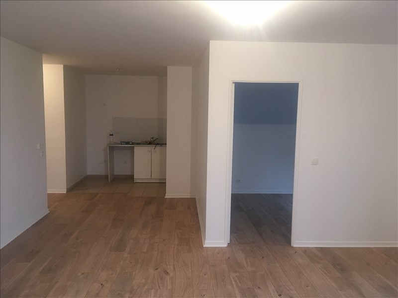 Location appartement Colombes 1 250€ CC - Photo 3