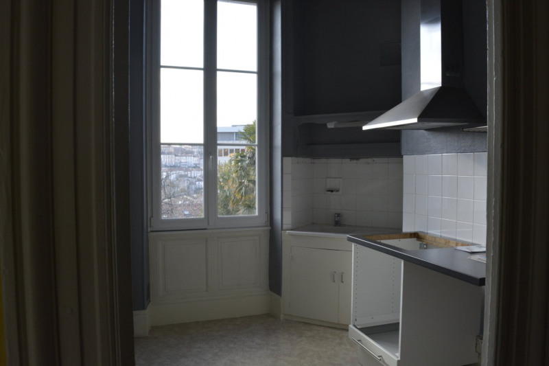 Vente maison / villa Angoulême 321 000€ - Photo 2
