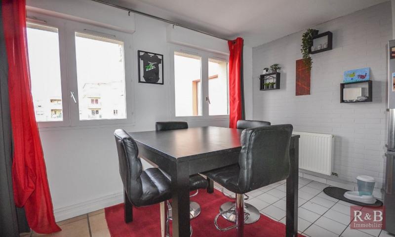 Sale apartment Plaisir 210000€ - Picture 4
