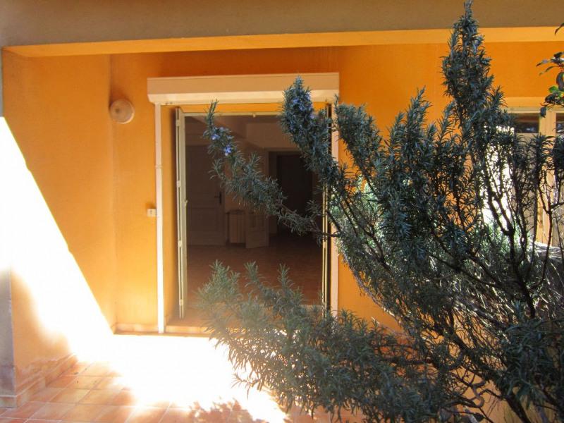 Alquiler  apartamento Lambesc 740€ CC - Fotografía 2