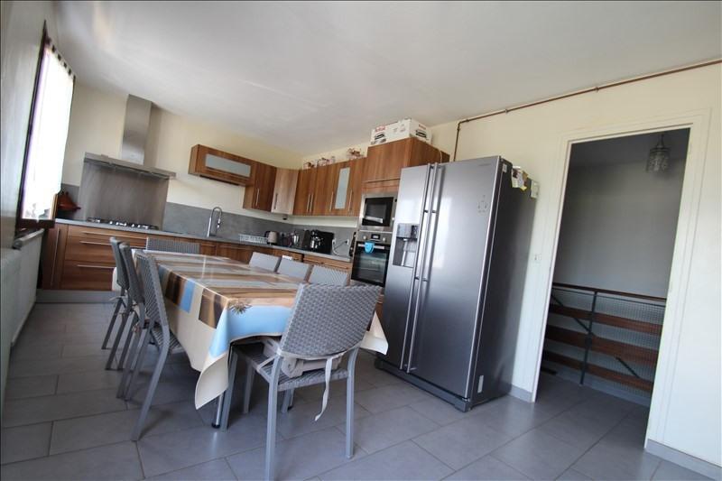 Sale house / villa La motte servolex 410000€ - Picture 2