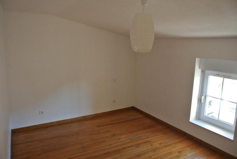 Location appartement St symphorien de lay 330€ CC - Photo 1