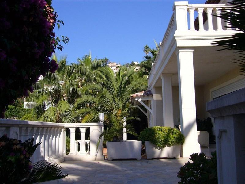 Deluxe sale house / villa Le golfe juan 1690000€ - Picture 2