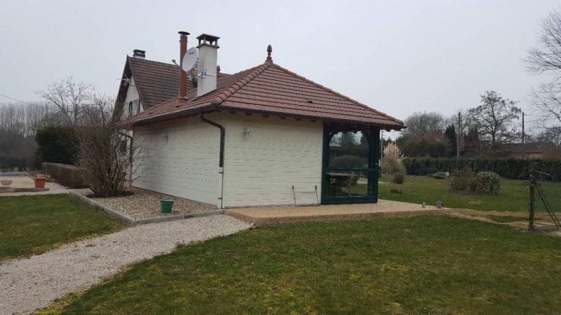 Sale house / villa Louhans 280000€ - Picture 2