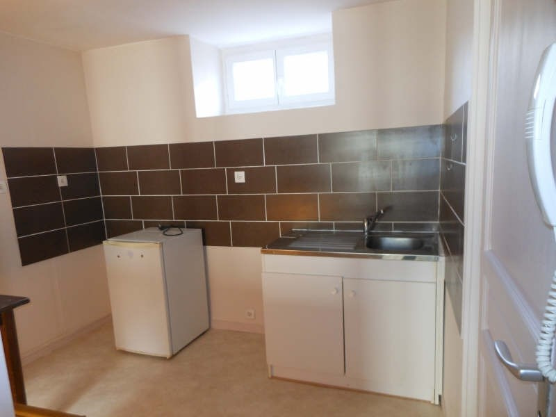 Location appartement Le puy en velay 276,79€ CC - Photo 2