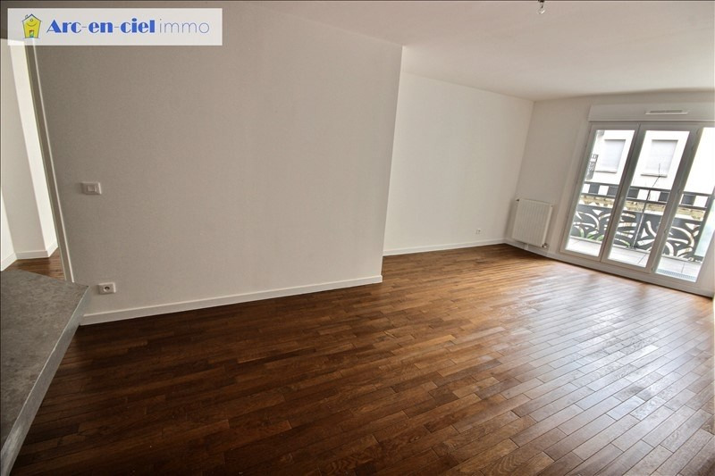 Rental apartment St denis 1150€ CC - Picture 3