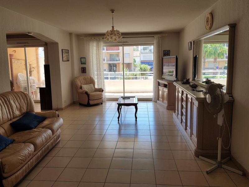 Vacation rental apartment Cavalaire sur mer 1100€ - Picture 3