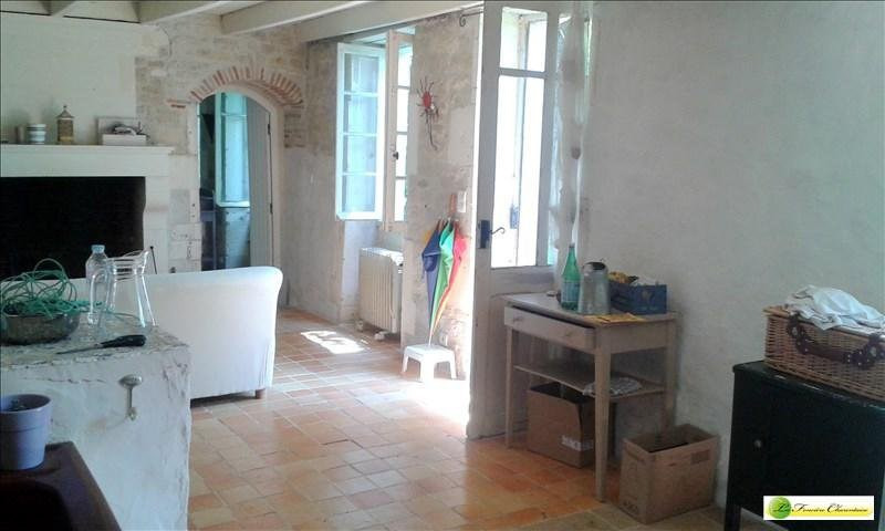 Vente maison / villa Gourville 210 000€ - Photo 2