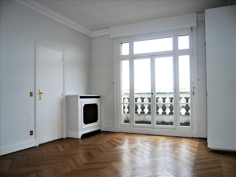 Location appartement Paris 7ème 8 582€ CC - Photo 4