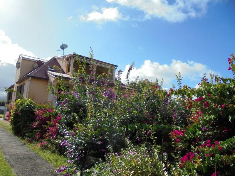 Sale house / villa Capesterre belle eau 325000€ - Picture 2