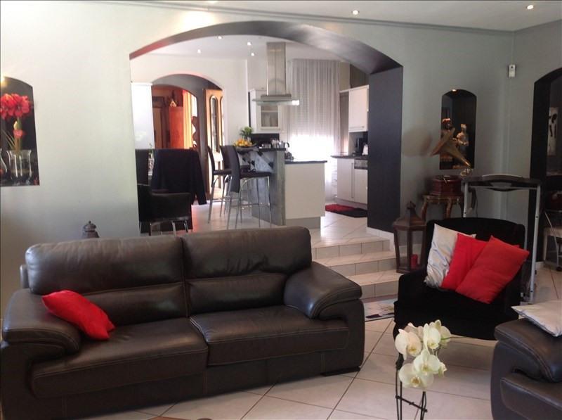 Deluxe sale house / villa St quentin 302200€ - Picture 4
