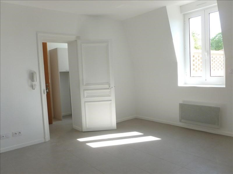 Rental apartment Chevannes 660€ CC - Picture 2